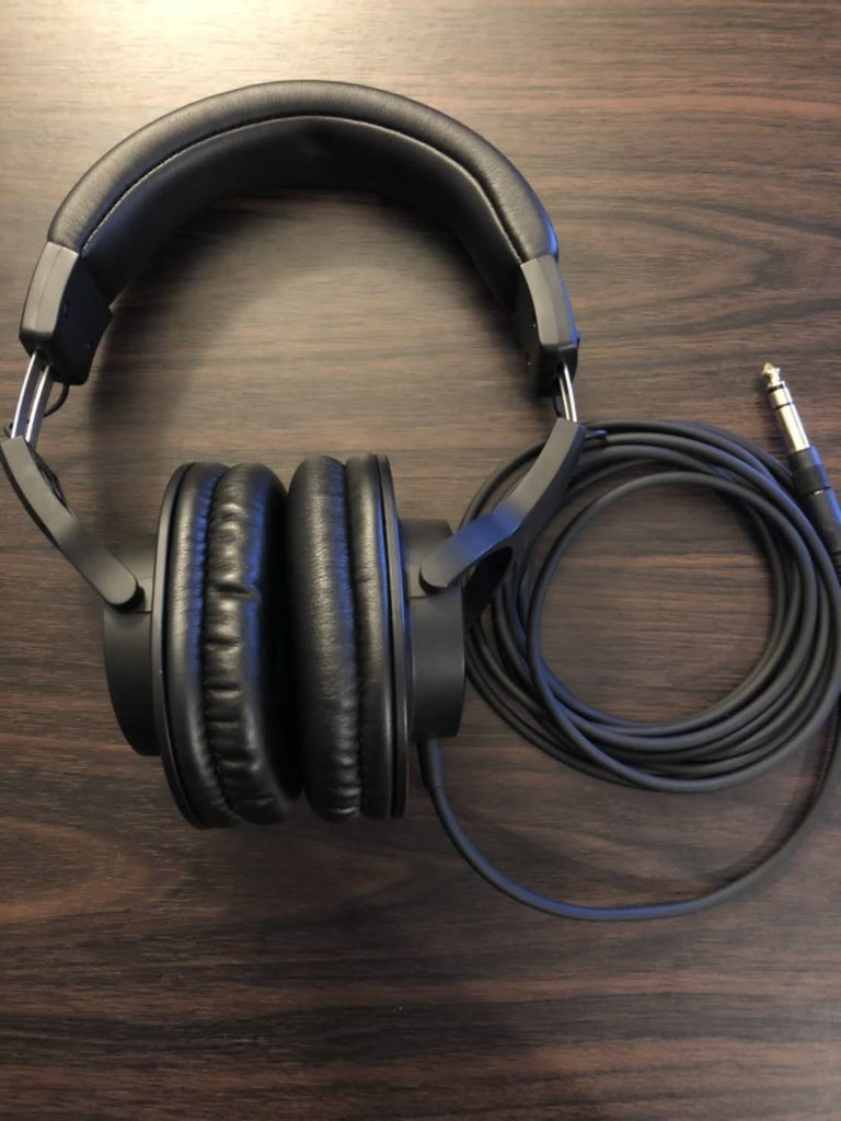 配信器材モニター用ヘッドフォン